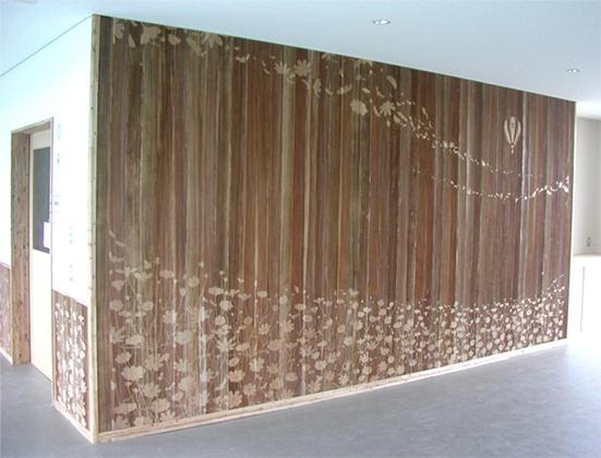 佐久総合運動公園陸上競技場屋内施設の壁