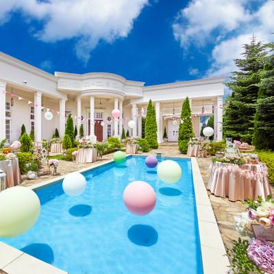 ガーデンヒルズ迎賓館・松本のプールと庭