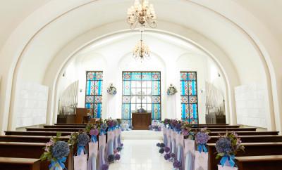 アイネス ヴィラノッツェ大阪の教会内装